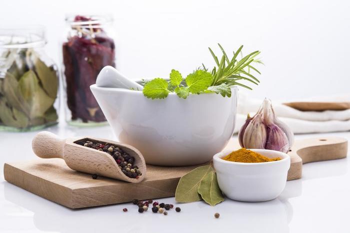 ハーブ調味料があれば、いつもの料理が香り高い本格ディッシュへと一気にグレードアップしちゃいますよ!