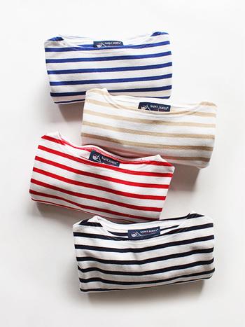 一枚で着ても、インナーとして着てもだれでも素敵に着こなすことができるボーダートップス。お気に入りの形を見つけたら、色違いで何枚でも欲しくなってしまいますね。まずはどのカラーをチョイスしましょう?