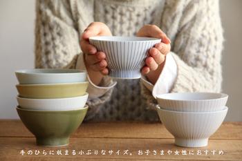 お茶碗で、7種類もバリエーションがあるものは、なかなか見当たらないですよね。 7種類もあれば、大家族でも、みんなが同じようで異なるお茶碗で、統一感ある食卓が作り出せます。