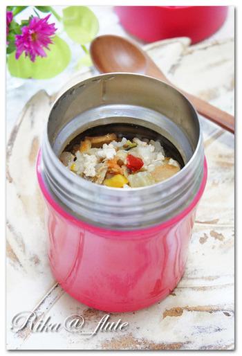 お腹に優しいレシピをもう一品。生姜がたっぷり入って、体もしっかり温まるレシピです。寒い季節はもちろん、真夏のクーラーで冷えた体にも◎。