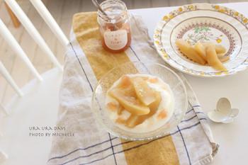 「手作りおやつ」というと、時間と手間をかけて、丁寧に…なんてイメージですよね。でも、この煮りんごは「本当にそれだけですか?」と訊きたくなるほど簡単レシピ。今日すぐにでも、さっそく試してみたくなりませんか?
