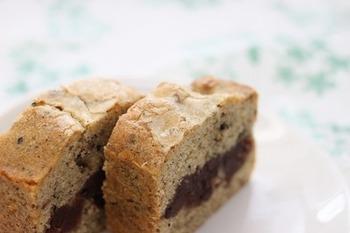 ごまをトッピングした和風のパウンドケーキ。食べ過ぎ注意の美味しさです♪