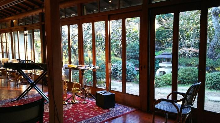 様々なアーティストの方がこの場所でイベントをされているそうです。 店名の通り、昭和の世界へ引き込まれます。  歴史深い建造物の中で聴く音楽や語りは、また一層深みが出ます。