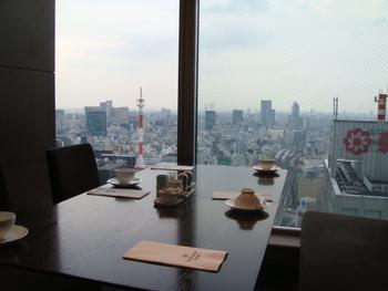和のエッセンスを取り込んだフレンチランチが頂ける、眺めも素晴らしく開放感に溢れた空間が気持ちいいレストランです。