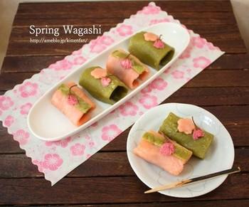 白玉粉をグリルで焼いて作る、春の和菓子レシピです。もっちり食感とあんこの甘さに、桜の塩漬けの優しい塩味が効いています。