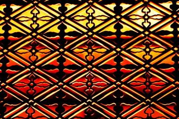 「二重菱」の菱組子・・・二重菱に美しい十字の文様を組み合わせた、岡御殿の美しい欄間です。