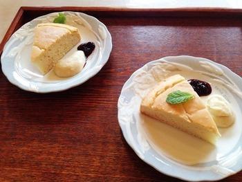 添えてあるクリームも、豆乳とメイプルシロップで作ったカスタードソース風のクリームだそうです。 卵を使わずにカスタード風が作れるのはすごいですね。