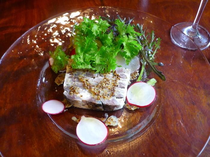 イワシのテリーヌ。お魚料理が、また違った美味しさになって提供されています。