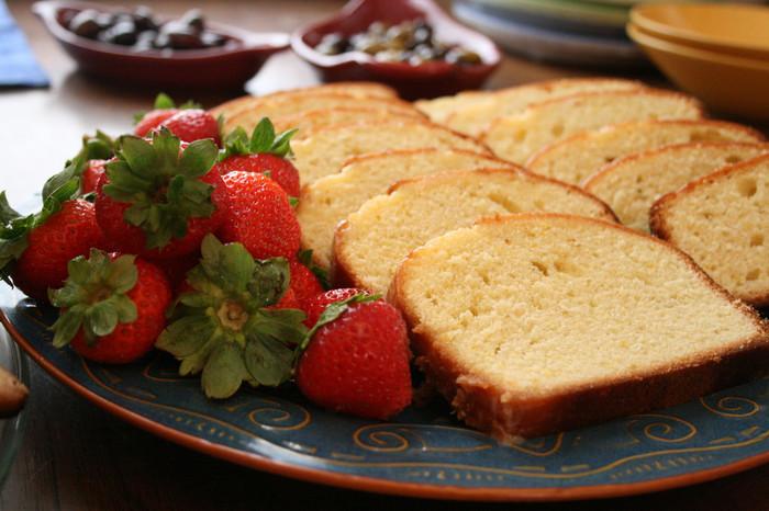 いかがでしたか?見た目も味も色々な種類を楽しめるパウンドケーキ。基本の作り方を押さえればアレンジも簡単。ぜひ気になったものにトライしてみてくださいね。