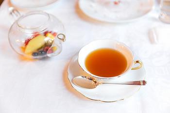 ガラス製のこんなポットがあれば、茶葉の色が溶け出すのをゆったり眺めながら、待つ楽しさも味わえますね。そのままホットでもアイスでも楽しめます。