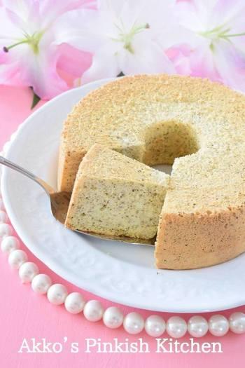 シフォンケーキはとても難易度が高いという印象がありますが、材料や工程はじつにシンプル。