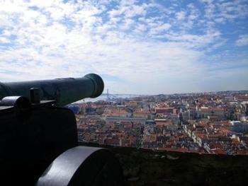 城内にある10の塔を登り終えれば、リスボン市内を360度眺められちゃいます!