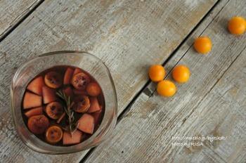 金柑で作る冬の定番のグリューワインは、他のフルーツでも応用が効くレシピなので、覚えておくと重宝しそう。