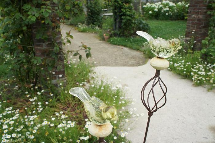 園内のガーデンショップ「花の牧場」では、花の種や苗、エクステリアまで、ガーデニングに関わるものが何でも揃います。
