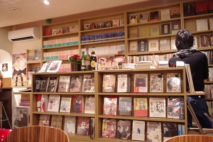 千駄木駅近くで古本販売とカフェ営業をしている「Books&cafe BOUSINGOT(ブーザンゴ)」。