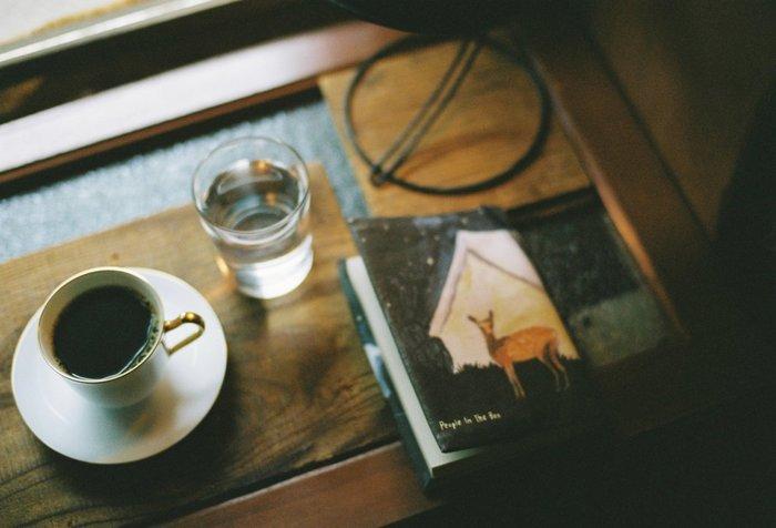 いかがでしたか? ぜひお気に入りのブックカフェをみつけてリラックスした読書タイムをお楽しみください。