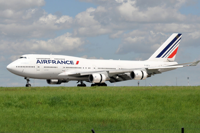 ヨーロッパでは1位、そして世界でも4位の規模を誇る航空会社、エールフランス。パリへ直行したいならこのエアラインできまりでしょう!
