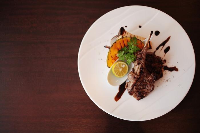 「リストラットリア フィーロ」は須磨水族園の近くにあるイタリアンレストラン。ご夫婦で経営されているアットホームさと、素材と盛りつけにこだわった美味しくて美しいお料理が自慢のお店です。