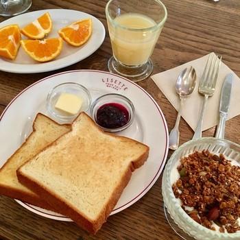 「朝食のセット(プチ・デジュネ)」は平日の午前中限定です。充実した内容が楽しめます。