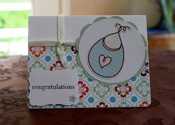 赤ちゃんが生まれたお祝いには、可愛い柄をイメージして。