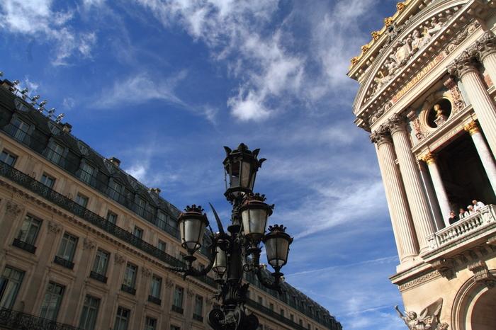 パリ・南フランス・アネモネを愛した「ダニエル・クチュール」の幸せ色に輝くアートな世界