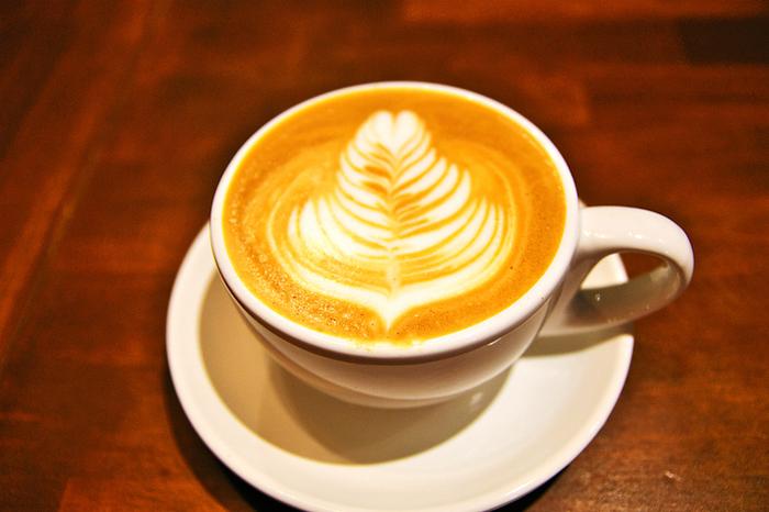 こだわりのコーヒー豆でプロのバリスタが淹れるスペシャリティーコーヒーも美味しいと評判です。 交通の便も良い上に、隠れ家のような落ち着いた癒し空間の古民家風カフェなら、きっとリピートしたくなりそうですね。