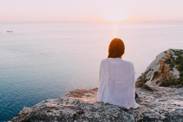 だけどしばらくすると環境に馴染めないと感じたり、これまでの常識が通用しなかったりと、上手くいかないことだらけ。色々な壁にぶつかり、気がつけば疲れて気分が落ち込んでしまったという経験はありませんか?