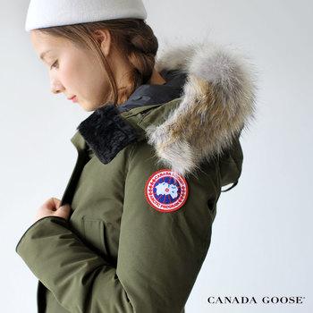 オシャレな女性に大人気の定番アウターである「CANADA GOOSE(カナダグース)」のダウンジャケット。ハイセンスなセレクトショップで目にすることも多いのではないでしょうか。