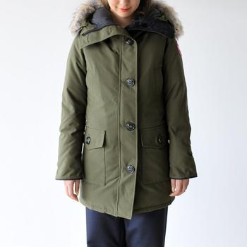 腰回りも暖かくカバーしてくれるブロンテは、ロングコートの感覚でコーデする事ができます。程良いフィット感があるので、着心地も抜群。タイトなのでもたつかないのも◎です。