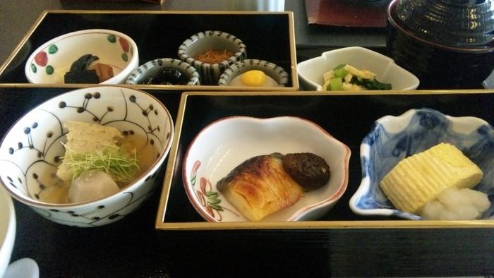 日本が誇るホテルオークラの和朝食には京都らしいメニューが勢ぞろいしています。昔から京都にある古いホテルなので、京都らしさということに掛けては右に出るホテルはありません!宿泊でなくても利用できるので、ぜひ気軽に訪れてみてくださいね。