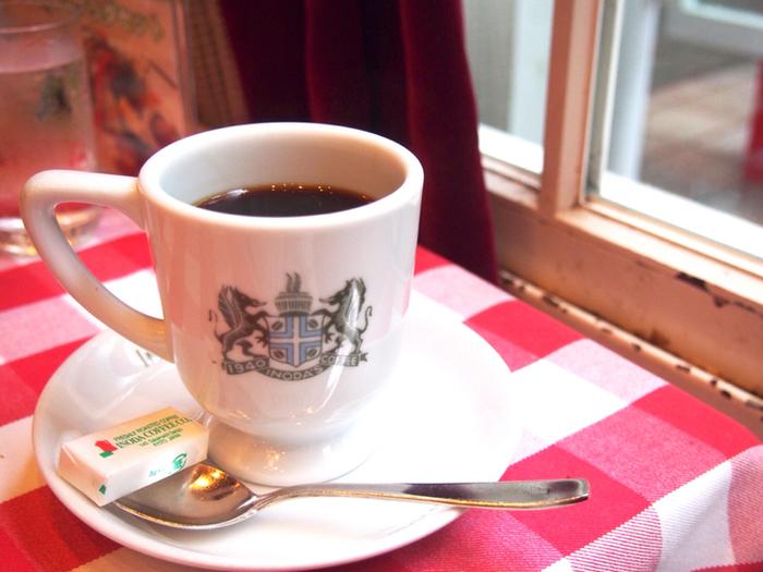 底冷えする冬の京都、イノダコーヒのちょっぴり酸味の効いたマグカップコーヒーは冷えた体を内側からほっこり温めてくれます♡