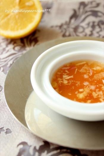 ピーナッツをアクセントに使った、ナンプラー香るドレッシング。蒸し鶏や生春巻きのタレにもぴったりです。