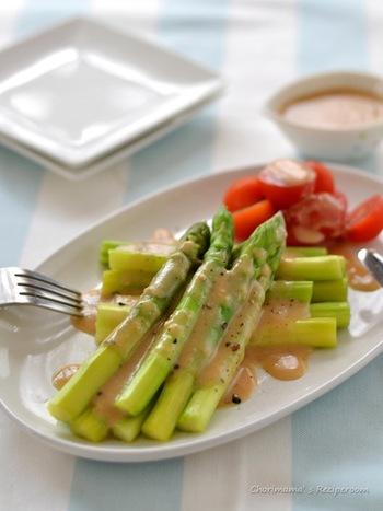豆乳とみそのまろやかな味わいを、粗びき胡椒でピリッと引き締めて。生野菜にも温野菜にもよく合いますよ。