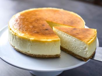 クリームチーズの量が多く濃厚なニューヨークタイプ。チーズ好きにはたまりません。