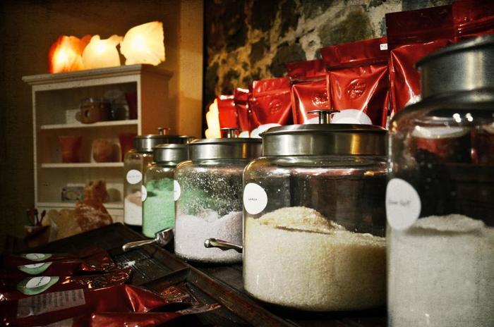 岩塩にハーブが配合されている「クレイジーソルト」を使えば、バッチリ味が決まって失敗知らず!