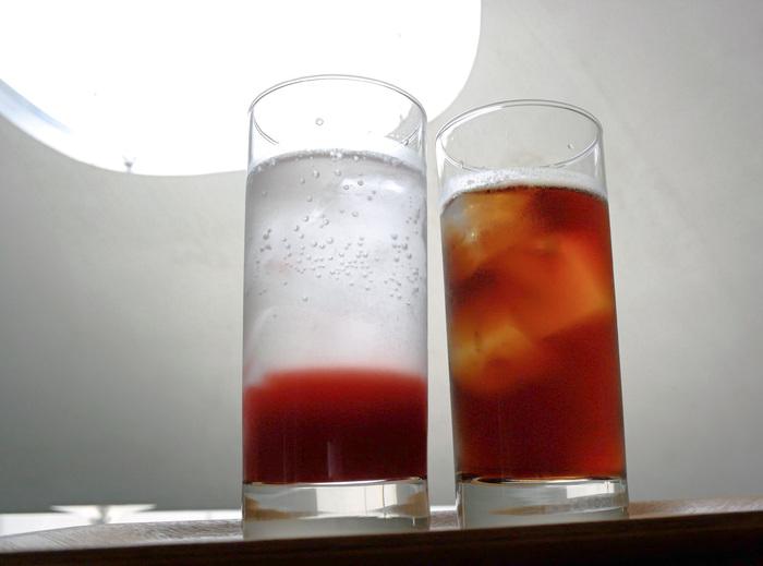 いちごソーダ・・・豊島のいちご農家さんから仕入れた苺のソーダです。甘酸っぱい爽やかさです。