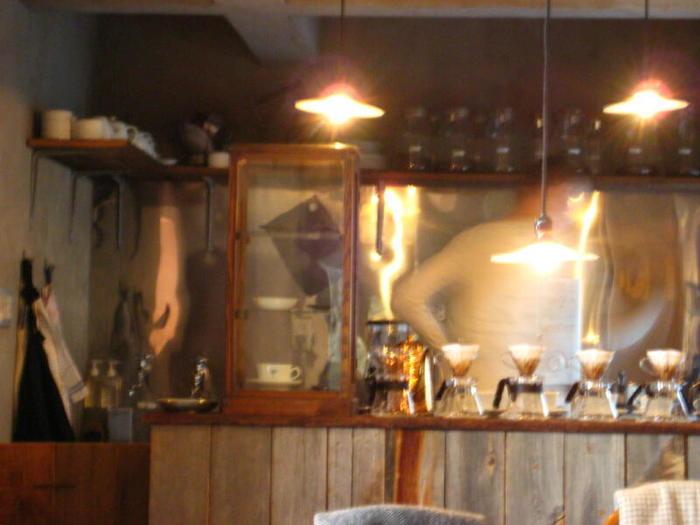 京都の裏路地にある素敵な隠れ家カフェは、ちょっぴり特別なひとときを過ごせる京都人の秘密の場所です。