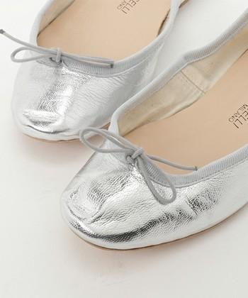 ミラノ座のバレリーナやダンサーにも使われる本格イタリアのバレエシューズメーカー、E.PORSELLI(ポルセリ)。踊っても踊らなくても、足にフィットする作りは病みつきになります。