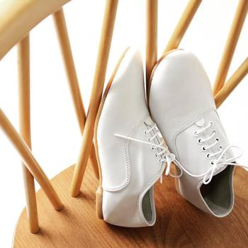 いくら高価な洋服を着ていても、シワシワだったら台無しです。おしゃれの基本は清潔さから。爪のお手入はできていますか?靴は汚れていませんか?