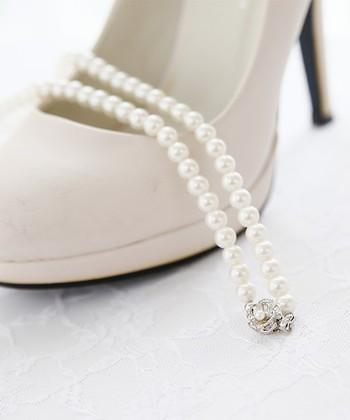 シンプルで上質なパールのネックレスがあれば、どんなフォーマルな場面でも対応できます。1本あれば、急な冠婚葬祭があっても慌てません。