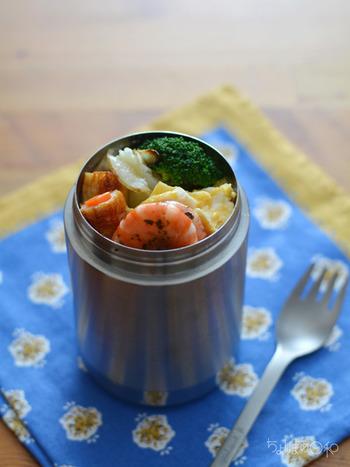保温&調理もできちゃうということで冬のお弁当に大活躍だったスープジャー。暑い季節になり、戸棚の奥で眠ってしまってませんか?なんとこのスープジャー、夏にも大活躍できる優れもの!保温だけでなく、保冷もしっかりできるのです☆