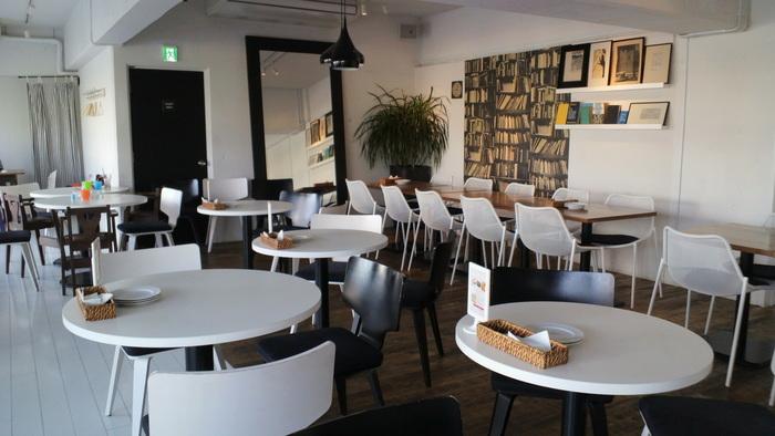 3階は100席以上あるので、貸切パーティーや撮影スタジオとしても使えます。