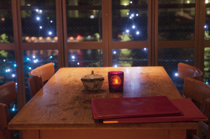 夜は夜景が美しいダイニングバーとして、デートスポットにもオススメです。