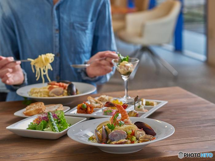 まず、はじめに「ロングパスタ」をご紹介しましょう。ロングパスタは日本語でいえば「麺」、英語で言うと「ヌードル」と呼ばれるものにあたります。