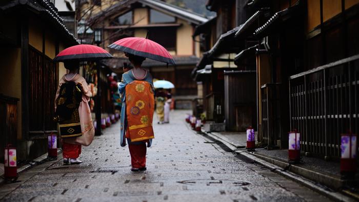 せっかく京都まで観光に来たのだから、美味しい名物を食べて帰りませんか?