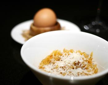 一見、お米と間違えてしまいそうなこのパスタのイタリア名は、ご想像どおり「お米」という意味。【適したソース & 料理】スープやリゾット風に食べるのが一般的です。ドレッシングやオイルで絡めたり、トマトソース、クリームソースとの相性も良いとされています。