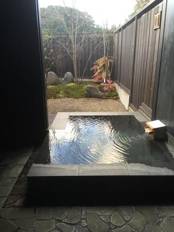 「日本三大美人の湯」をご紹介しました。これからは温泉が恋しくなる季節。 大切な恋人や家族、お友達と一緒に出掛けてみてはいかがでしょうか?