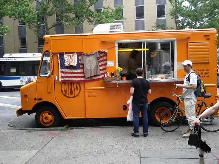 ニューヨーク発のマッドコーヒーは、当時はあまり例がなかったトラックでの販売でスタートしました。