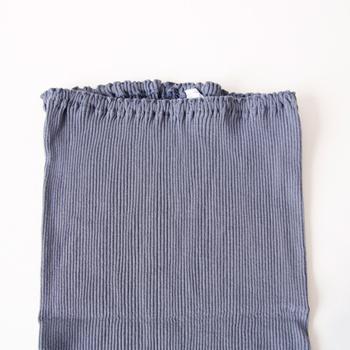 おなかもすっぽりとやさしく包んでくれます。薄着になると冷えがちな下半身を冷えから守りましょう。