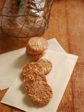 焼き菓子ももちろんビーガンです♪こちらはジンジャーやシナモンが利いたちょっぴりスパイシーなクッキー。小麦粉の代わりに熊本県産の米粉を使用し、メープルシロップとキビ砂糖で自然な甘みを付けています。